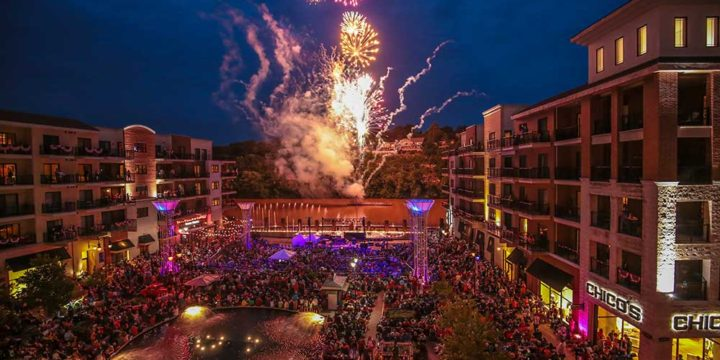July 4th Fireworks Light up Branson Sky