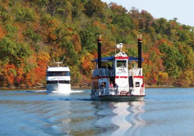 Boat Trips and Dinner Cruises on Lake Taneycomo